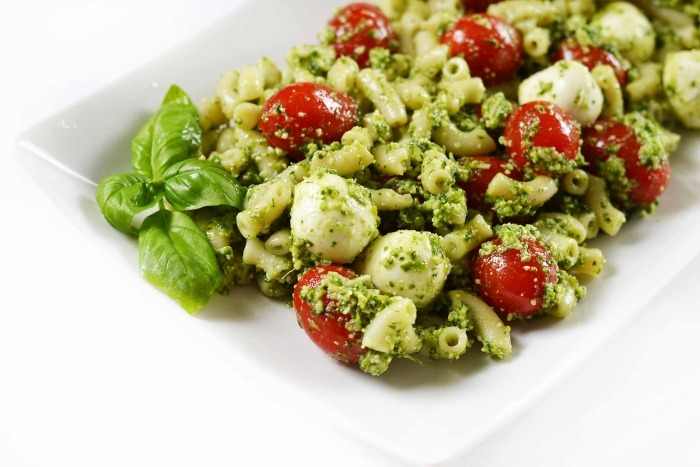 Pesto macaroni salad recipe