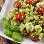 pesto-caprese-pasta-salad