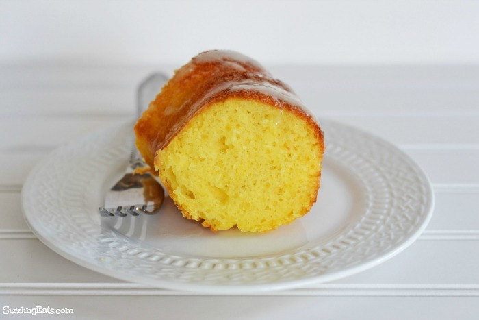 lemon-cake-sliced