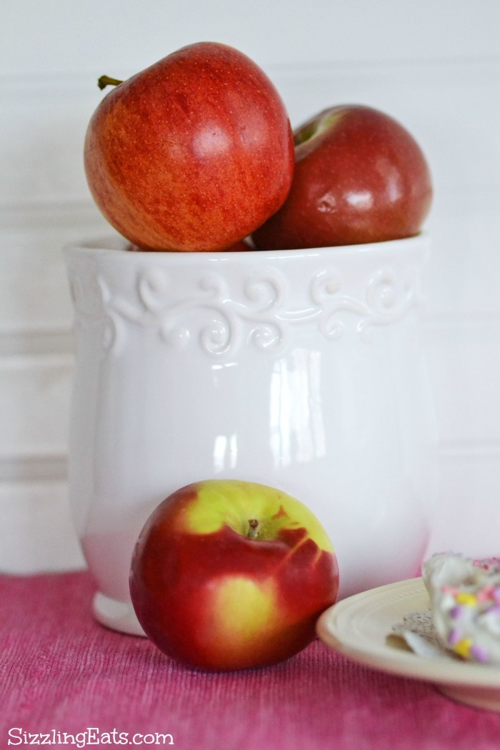 apples-in-vase