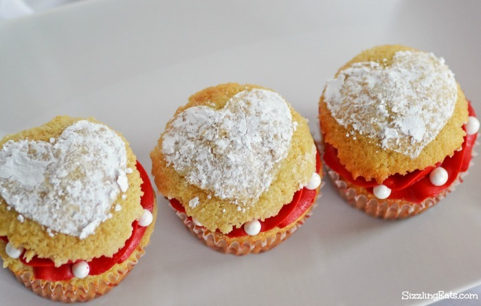 valentines-heart-stencil-cupcakes