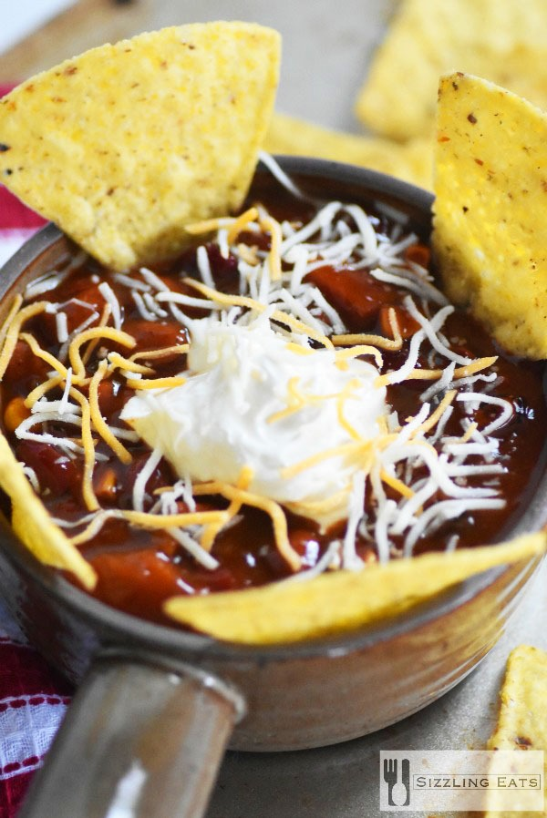 Loaded-bowl-of-chili