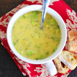 Bistro-cups-broccoli-cheddar-soup