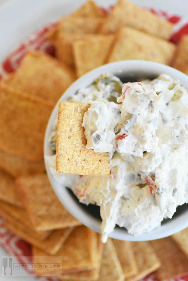 Olive-dip-with-crackers