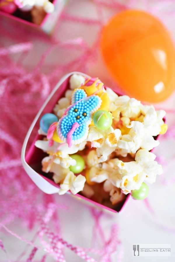 Easter-popcorn-mix