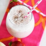 Easy Strawberry Banana Shake & My Breakfast Routine