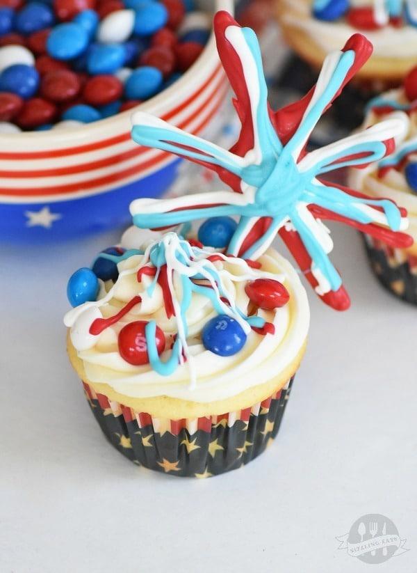 Patriotic-fireworks-cupcakes