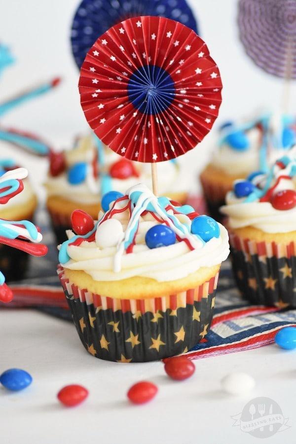 Skittles-America-Mix-cupcakes