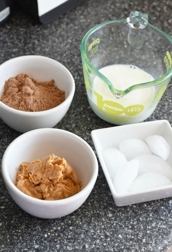 peanut-butter-cup-Shake-ingredients