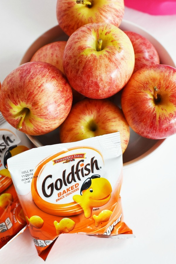 Goldfish-and-apples