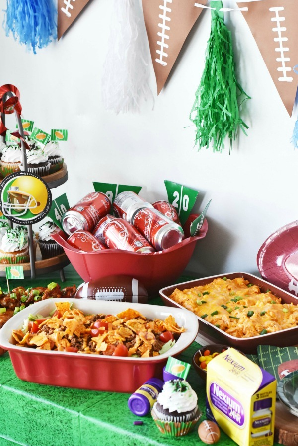 football-party-tablescape
