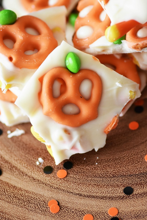pumpkin-candy-bark