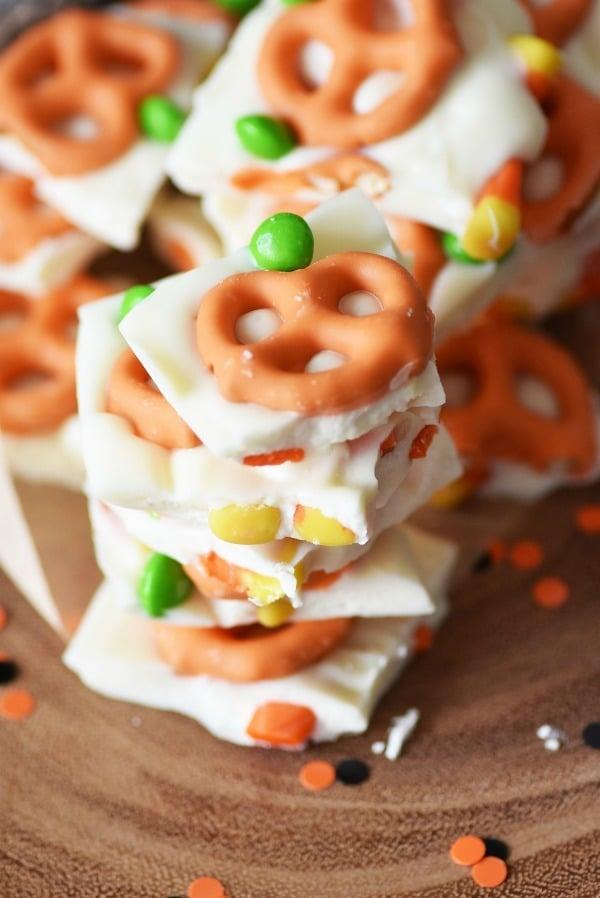 pumpkin-pretzel-bark