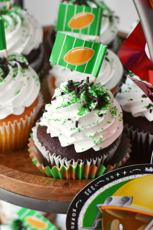 football-cupcake-ideas