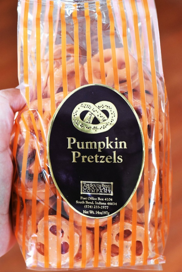 pumpkin-pretzels