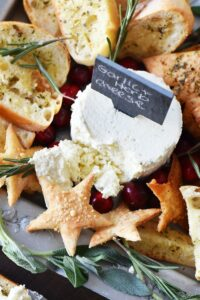 Holiday Herbed Pita Chips & a Festive Cheese Spread