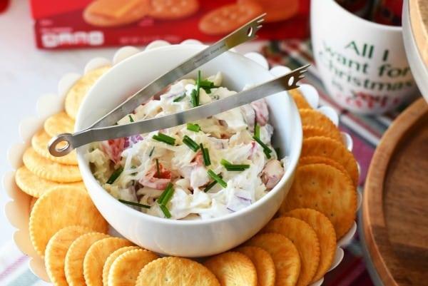 crabmeat-salad-dip-crackers