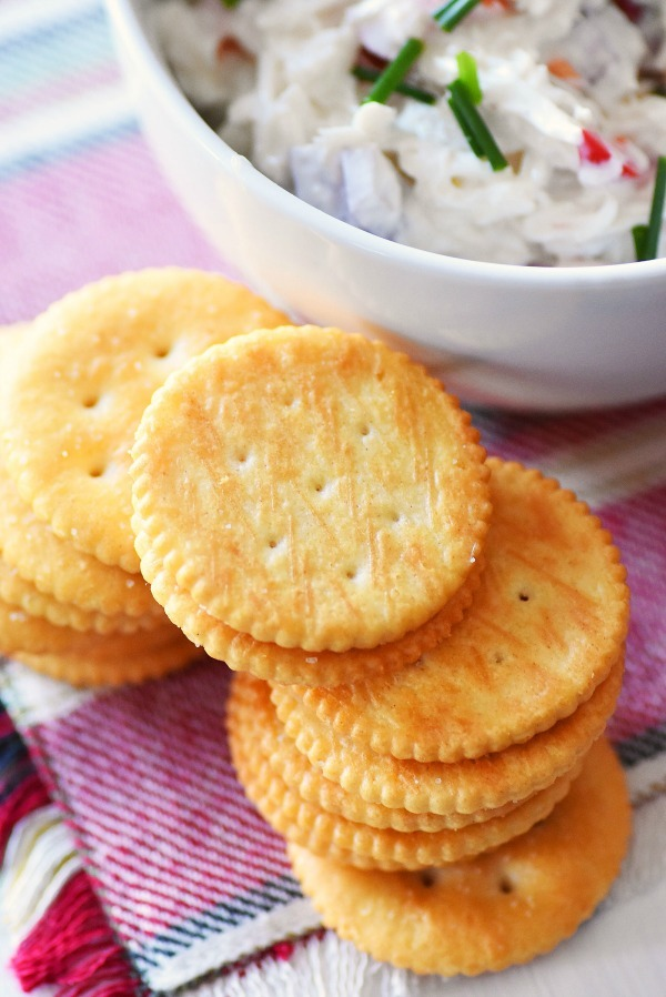 ritz-crackers-crab-dip