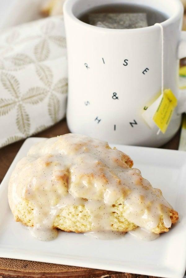Vanilla-bean-scone-hero