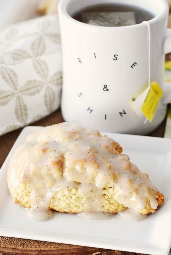 Vanilla bean scone1