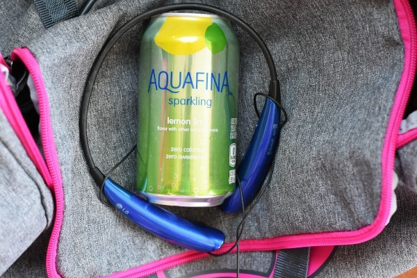 Aquafina Sparkling in Gym Bag1