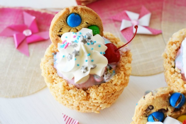 Mini Rice Krispies Sundaes1