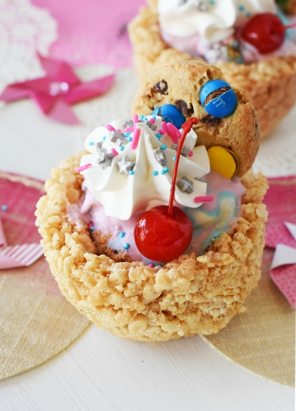 Rice Krispies Ice Cream Sundaes1