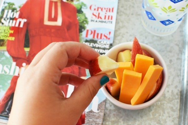 Cheddar and Apple Slices