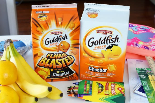 Goldfish Crackers with Fruit1