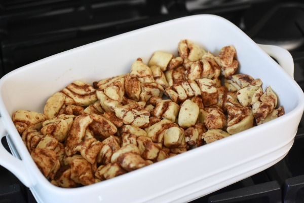 Cinnamon Bun roll casserole1