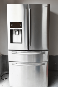 How to Clean and Deodorize Your Fridge