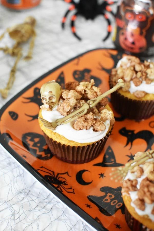 Bones cupcakes1