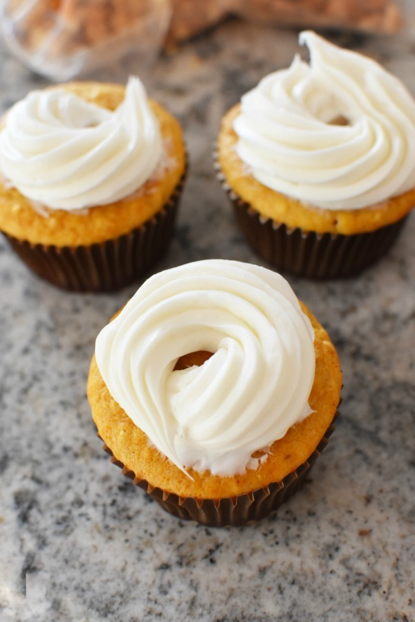 Vanilla frosted cupcakes
