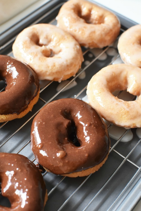 chocolate and vanilla glazed donuts1