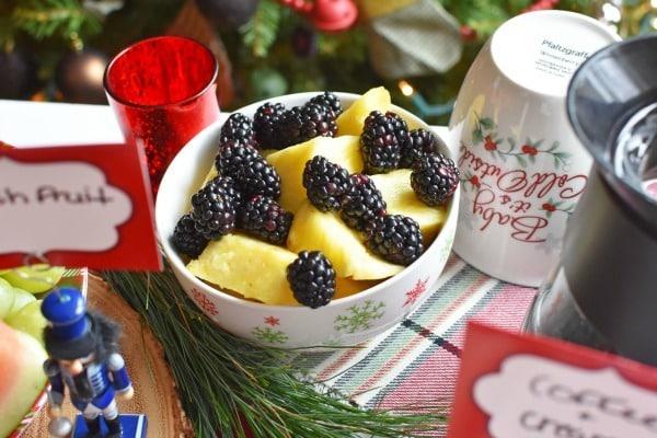 Blackberries an Pineapple1