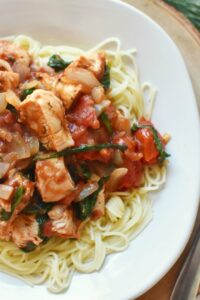 Chicken Tomato Spinach Onion Pasta1