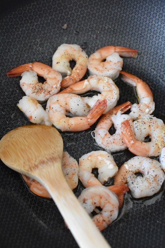 Shrimp in frying pan
