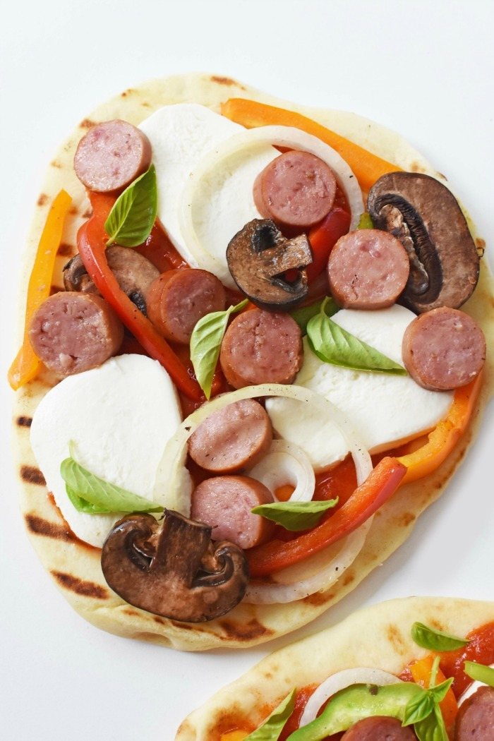 Flat bread Pizza on the grill 1