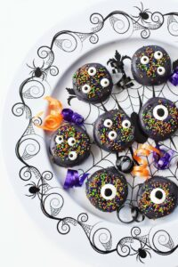 How To Make Black Melting Candy Covered Halloween Oreos
