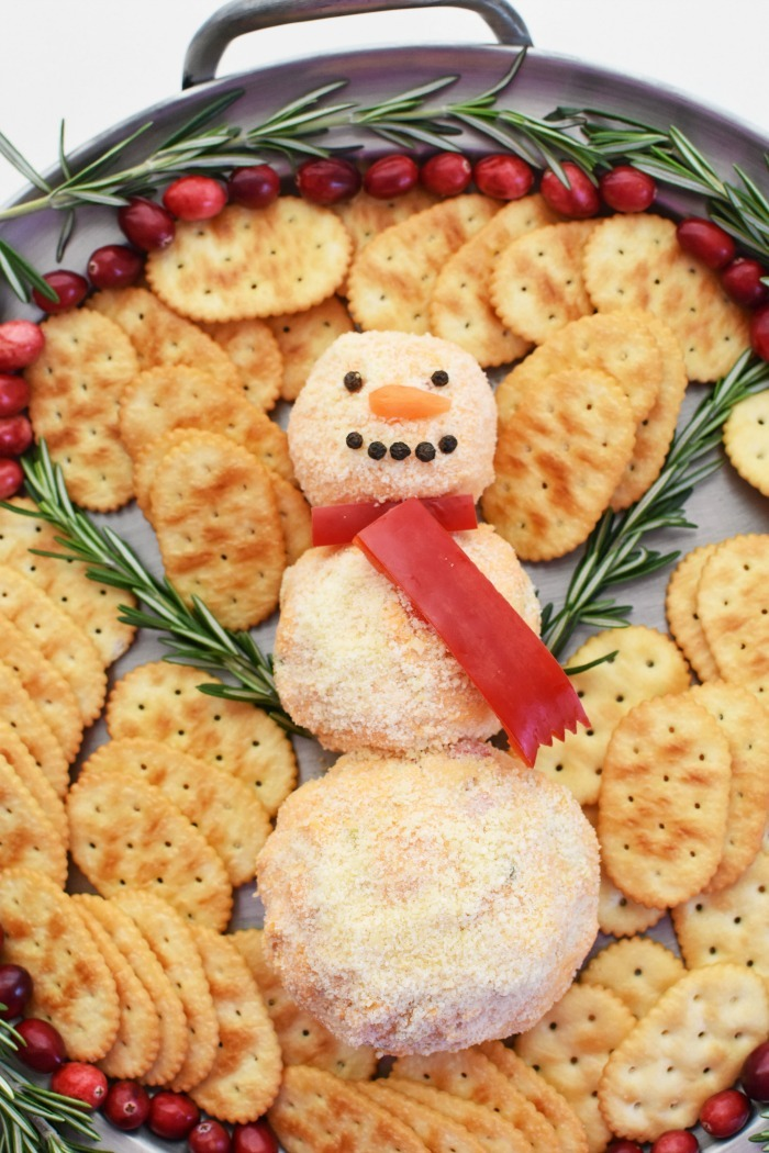 Snowman Cheeseball appetizer 1