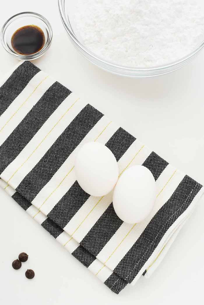 eggs on napkin 1