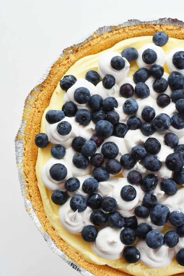 Blueberry pudding no bake pie 1