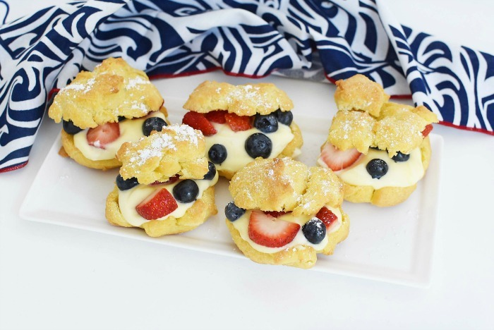 Berry Cream Puffs with Pastry Cream inside