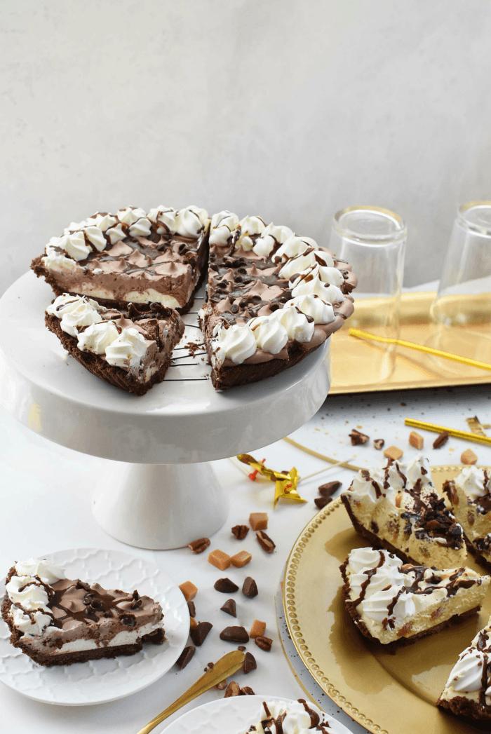 Chocolate creme pie slices
