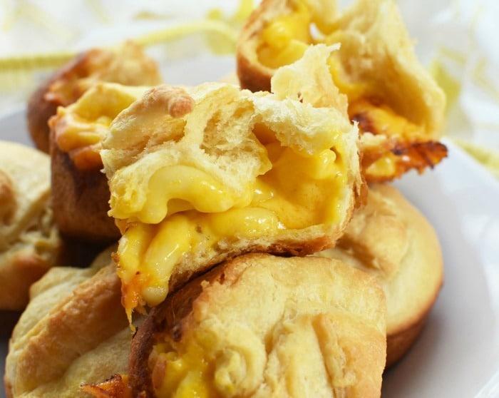 Cheesy mac & cheese bomb