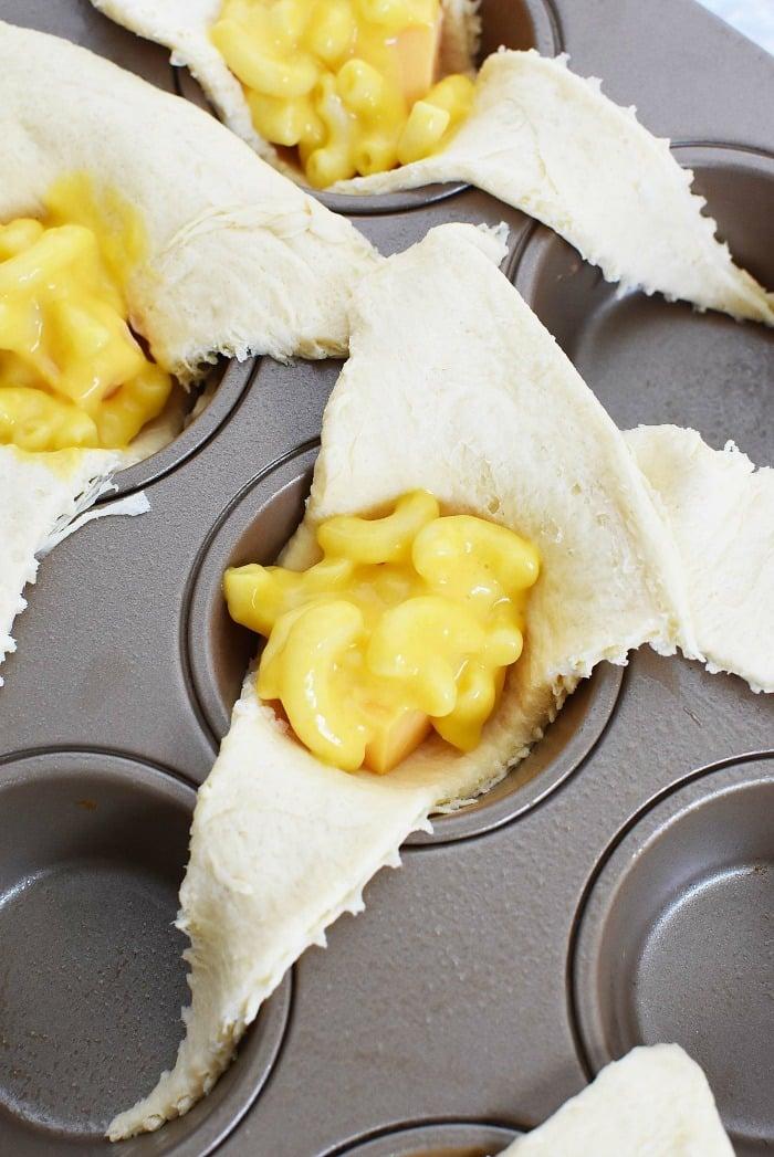 Macaroni in Crescent Dough