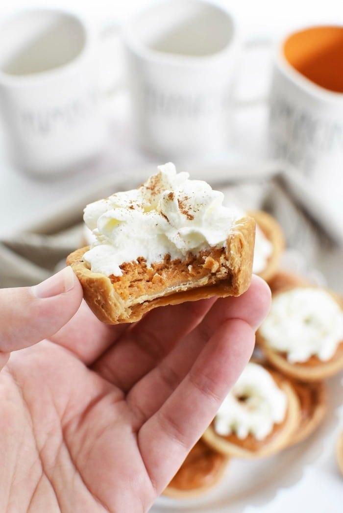 Mini crustless pumpkin pies