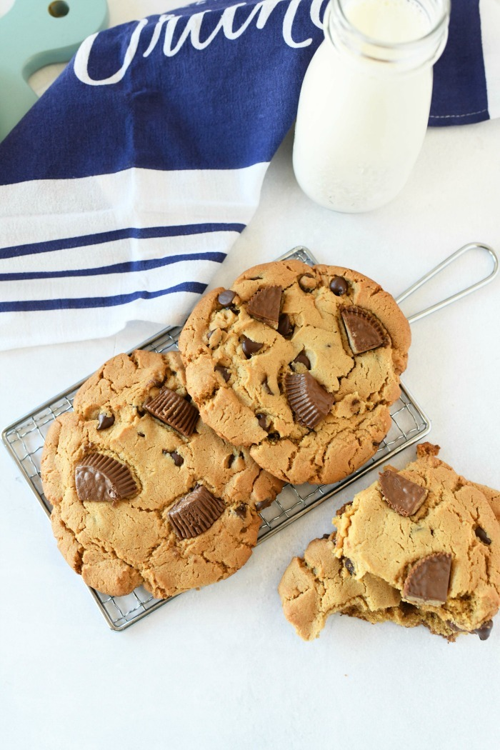 Jumbo peanut butter cup cookies recipe