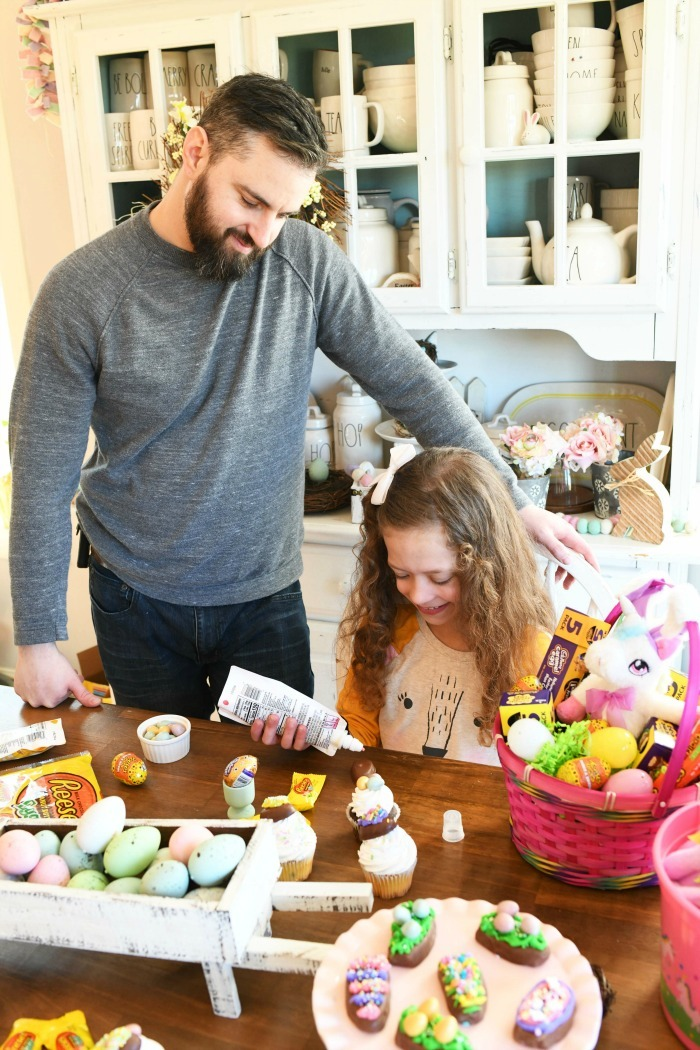 Decorating Reese's Eggs